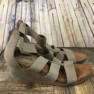 Euro soft by sofft tan wedge strap sandal Size 6
